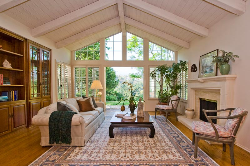 House in santa barbara with staging and decoration santa for Santa barbara luxury homes for sale