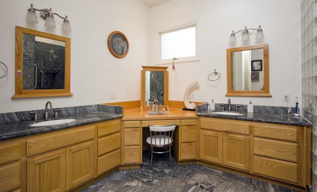 master bathroom, luxury bathroom, real estate bathroom, vaulted ceilings, granite floor, custom bathroom, bathroom designs, architecture,