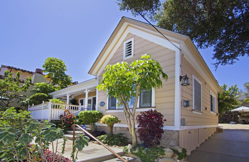 side view, real estate, santa barbara, montecito, front yard