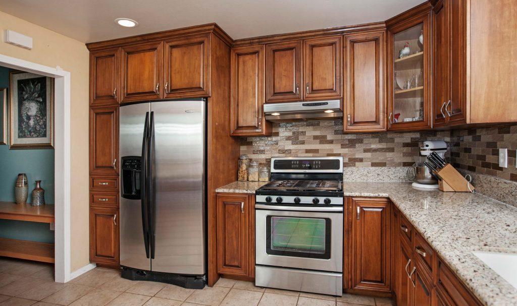 05 kitchen-stove-refrigerator