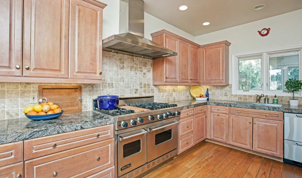 Santa barbara 39 s mission canyon real estate listing information for Santa barbara kitchens