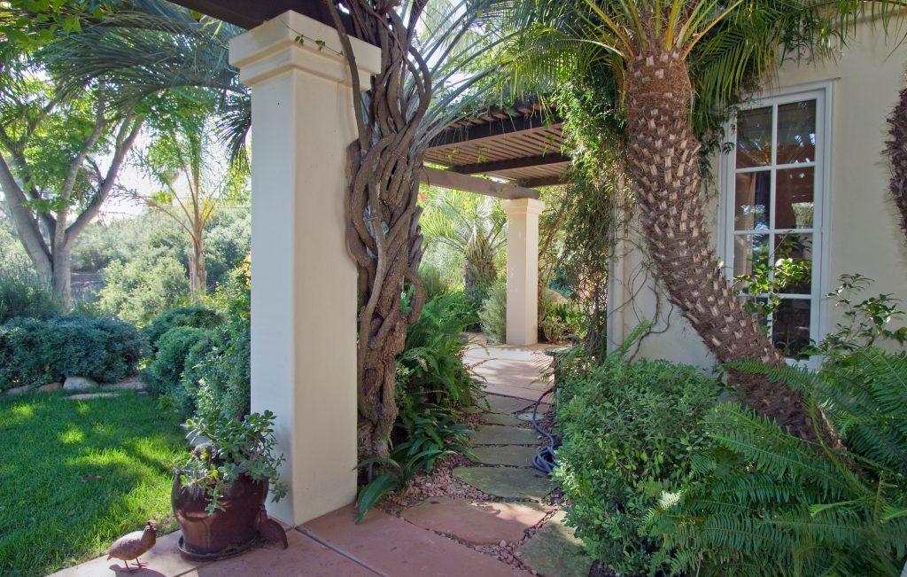 realtor.com santa barbara, real estate, montecito, zillow.com montecito