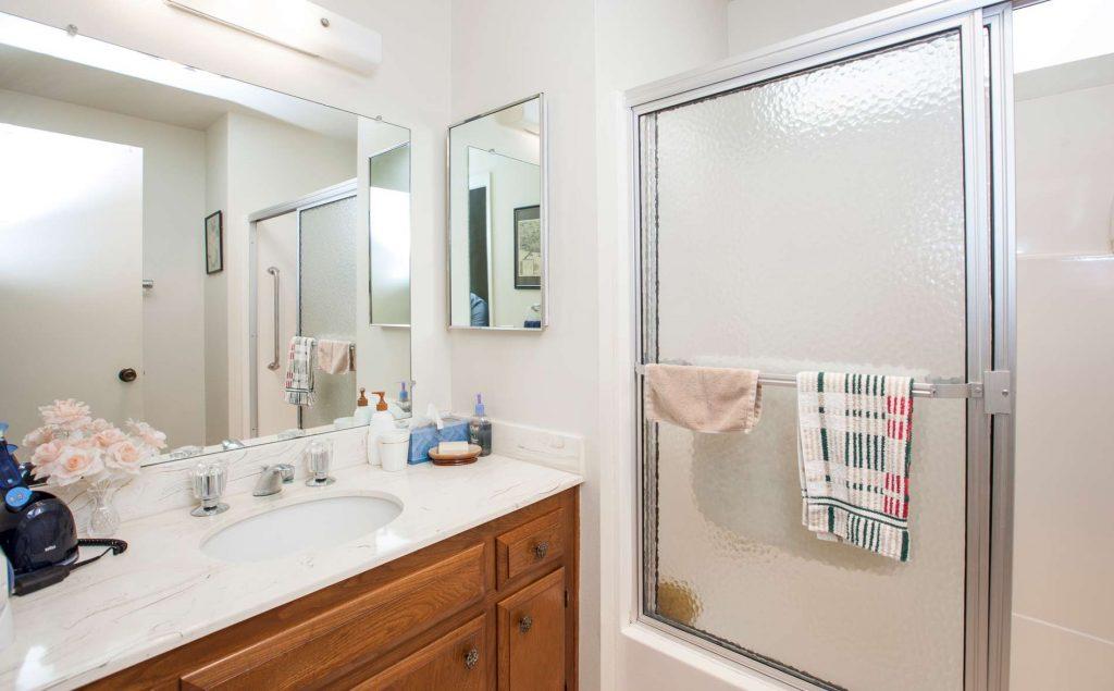 bathroom photo, condo bathroom, condominium bathroom