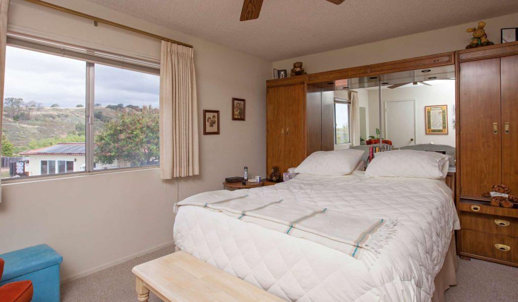 bedroom, pool view, condo pool view, condo view, santa barbara condo with view,